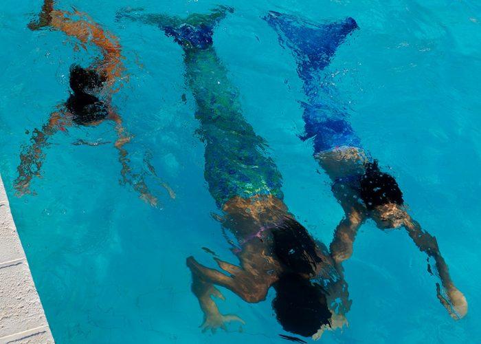 natacion-laura-escuela-empresarias-sirenas-madre-escuela-sirenas-valencia-profesora